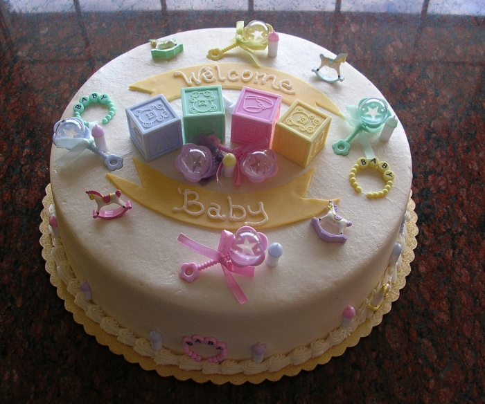 ways to announce pregnancy on mothers day cake