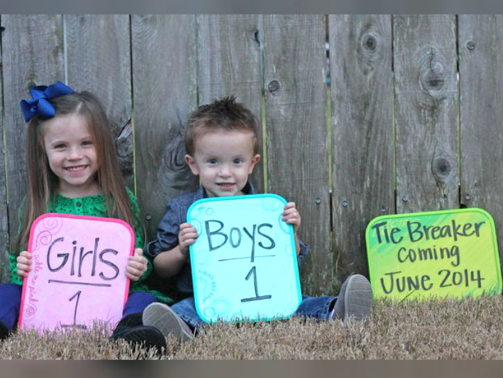 9 Fun and Simple Pregnancy Announcement Ideas – Baby Announcement Picture Ideas