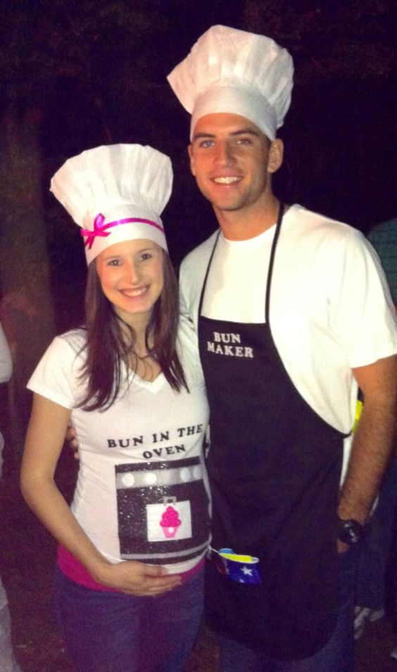 Bun in the oven with her bun maker: halloween pregnancy announcement ideas