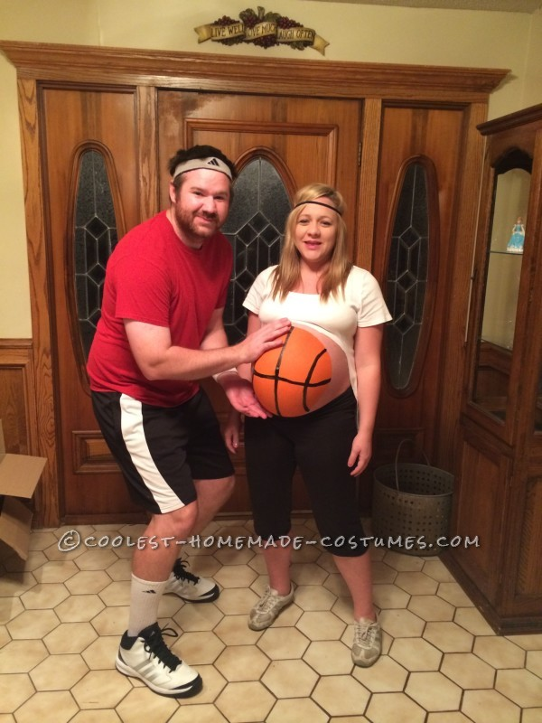 Basketball Player and Basketball Belly halloween costumes for pregnant couples, Halloween Costume Ideas