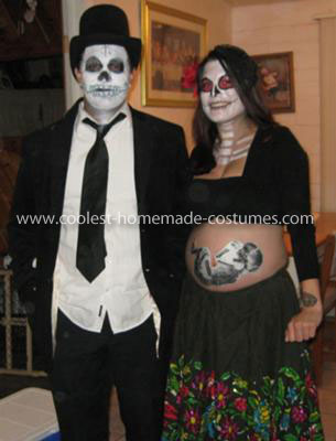 Skeleton Pregnant Couple halloween costume for pregnant couples