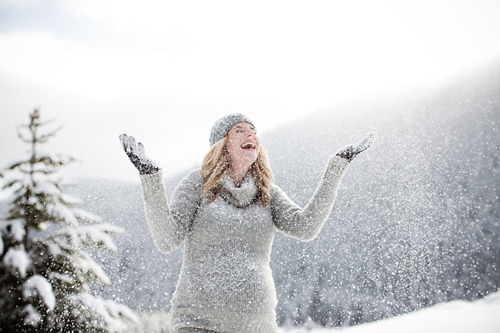 snowy-maternity-photos-04