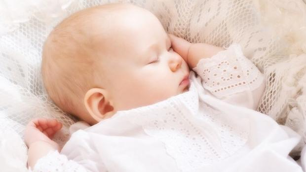 http://mentalfloss.com/uk/kids/30287/should-you-really-never-wake-a-sleeping-baby