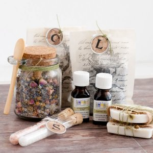 Pamper package, Valentine's Day Gift for a Pregnant Woman #pregnancy #pregnant #maternity #tips