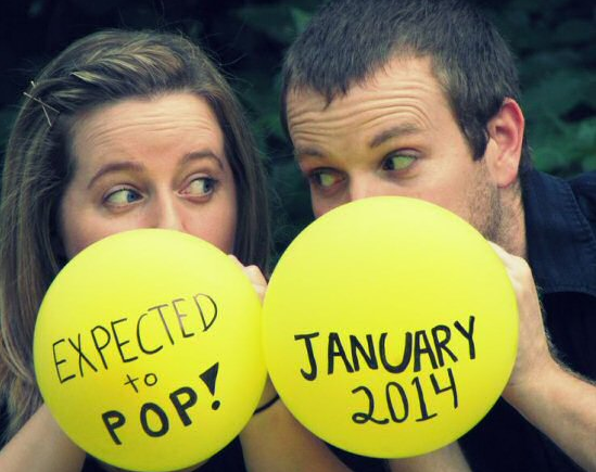 ways to announce pregnancy on mothers day write on a balloon