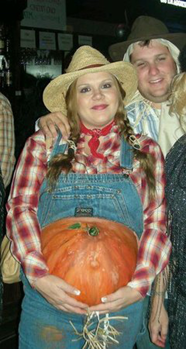 pregnant farmer halloween costume idea