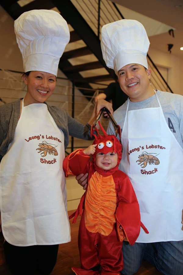 chefs-and-baby-lobster halloween costume for pregnant moms  sc 1 st  Babyprepping.com & Halloween Costumes for Pregnant Moms