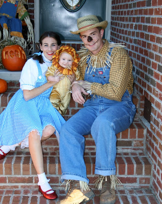 wizard of oz halloween costume for pregnant mom