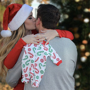 Christmas pregnancy announcement photo ideas
