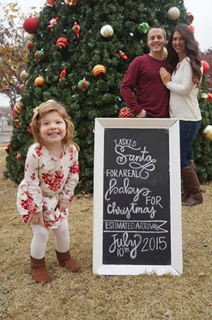 little girl christmas pregnancy announcement