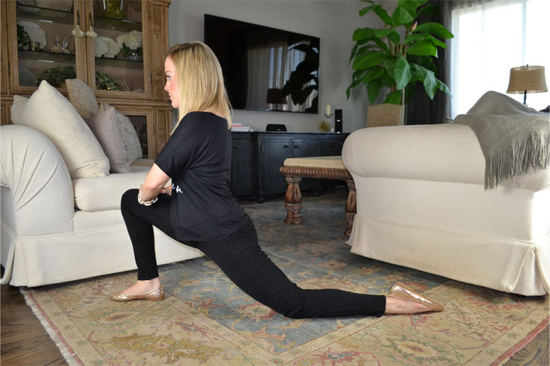 STRETCHES FOR HIPS: LUNGE