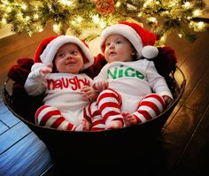 baby christmas photo ideas twins
